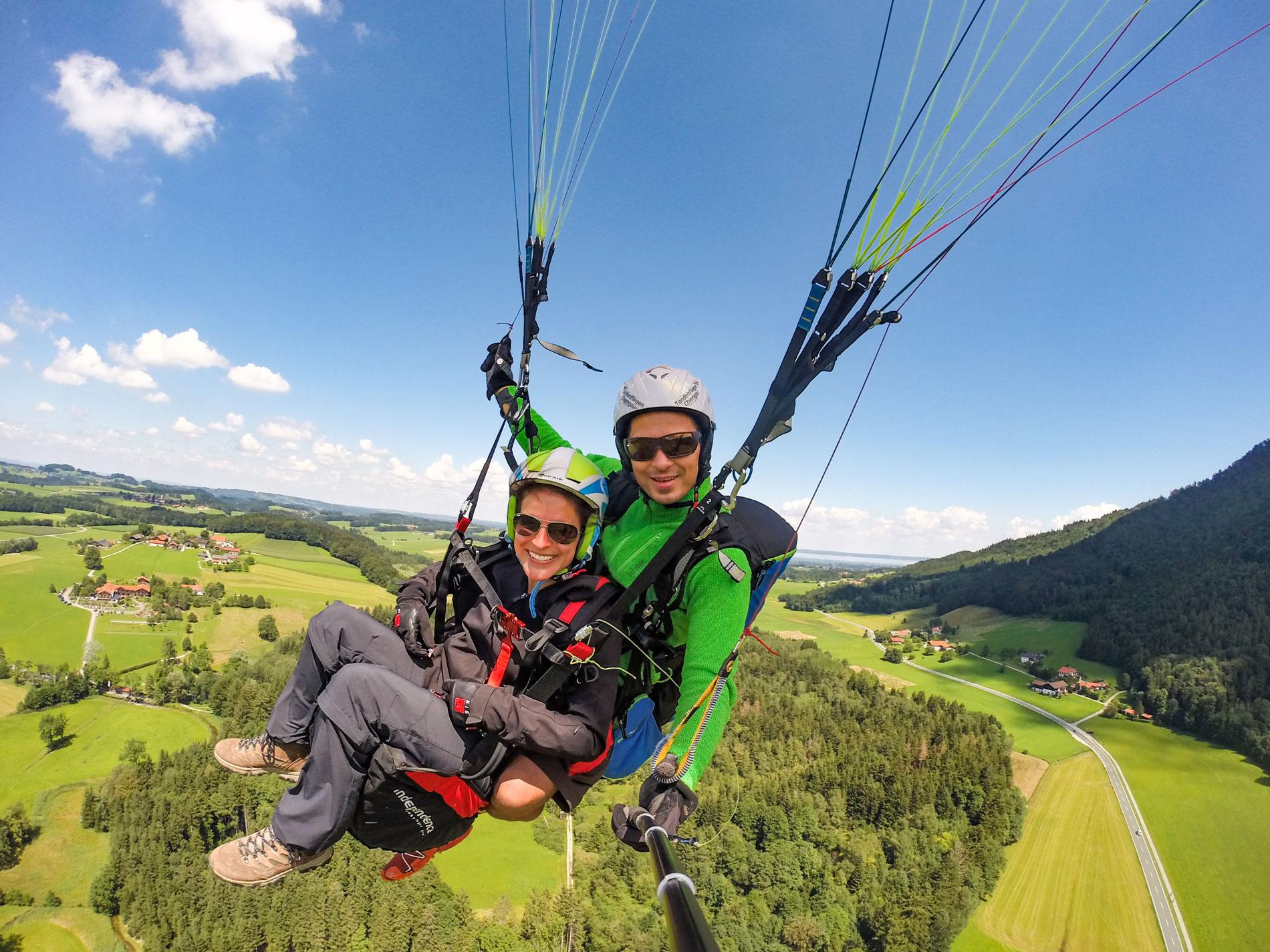 Chiemgau-Klassiker-All-inclusive-Fotoservice-Tandemflug-Gleitschirm-Paragliding