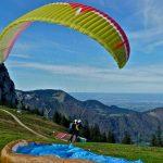 Doppel-Partner-Tandemflug-Gleitschirm-Start-Kampenwand