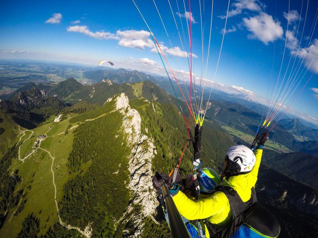 Kampenwand-Koenig-Gleitschirm-Tandemflug-Chiemgau-Gutschein-Erlebnis-Gutschein-Paragliding