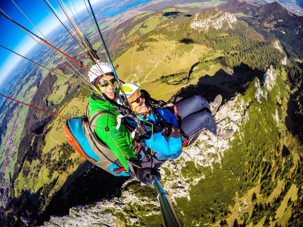 Tandemfliegen-Chiemgau-Erlebnis-Kampenwand-Koenig-Gutscheinflug-Flugticket