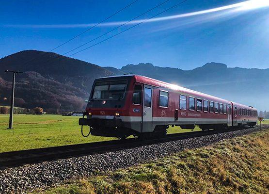 Chiemgau_Bahn_Anreise_Tandemflug_Tandemfliegen_Chiemgau
